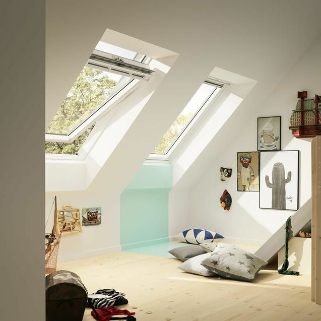 Velux White Painted Double Glazed Centre Pivot 70Q Pane Roof Window - GGL 2070Q